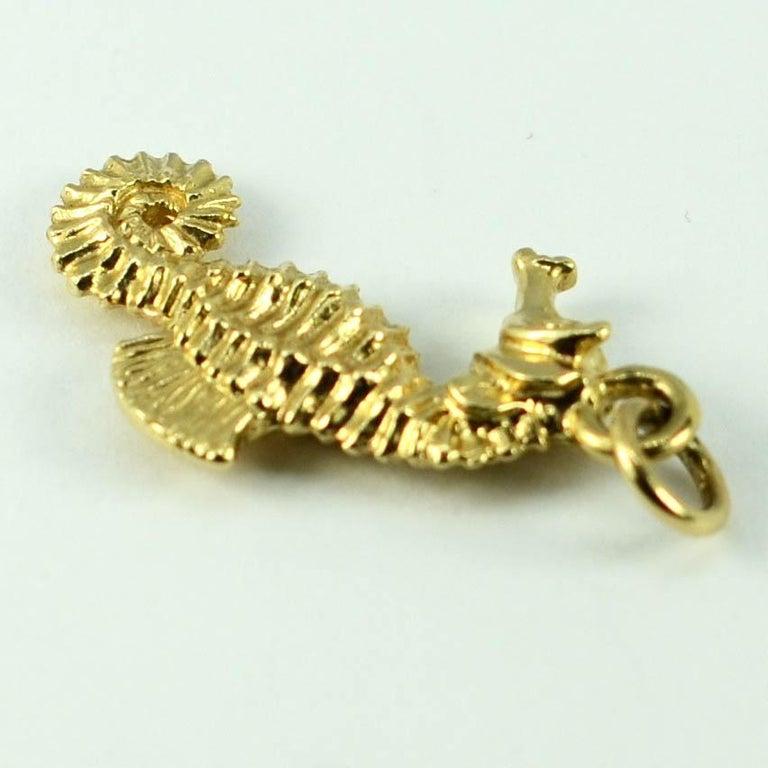 14 Karat Yellow Gold Seahorse Charm Pendant For Sale 3