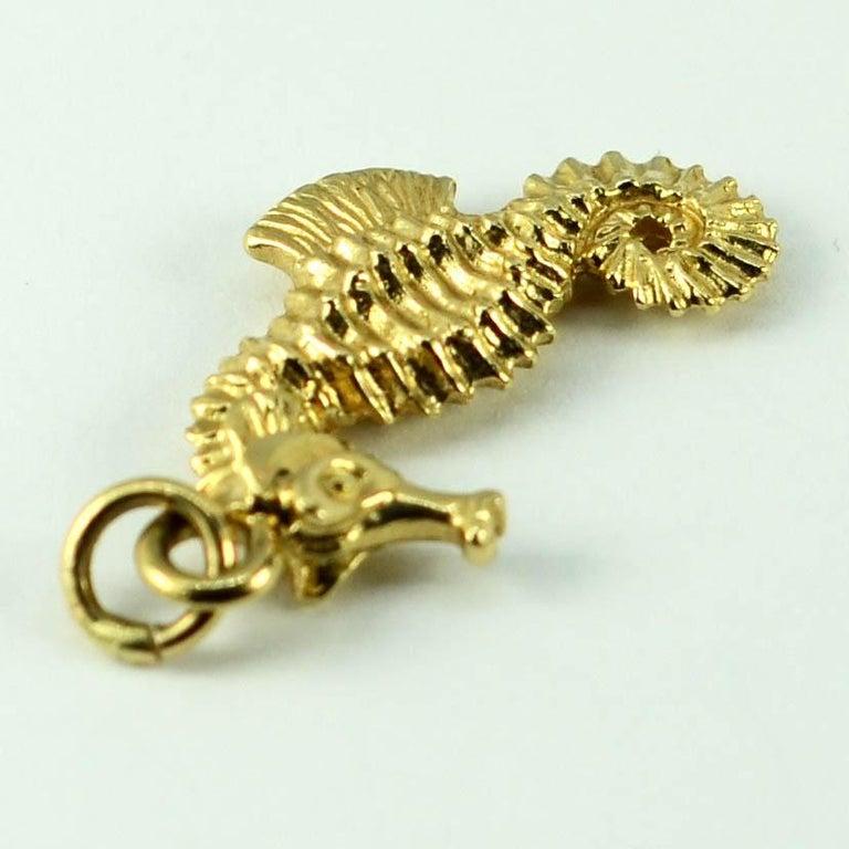 14 Karat Yellow Gold Seahorse Charm Pendant For Sale 4