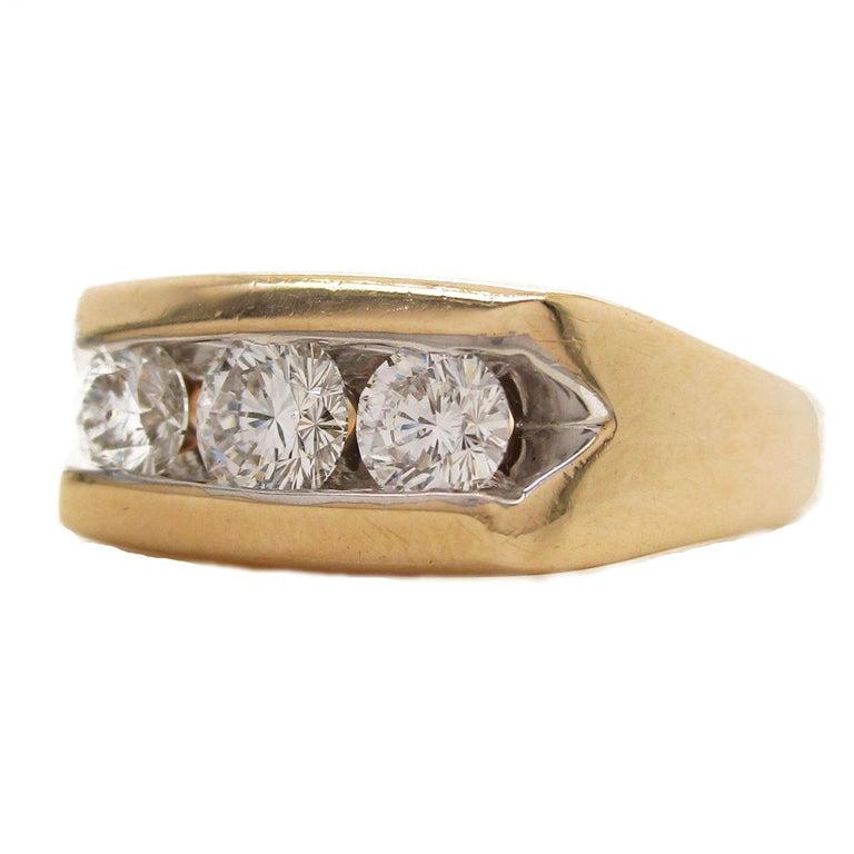 Brilliant Cut 14 Karat Yellow Gold Three-Stone Leo Diamond Ring For Sale
