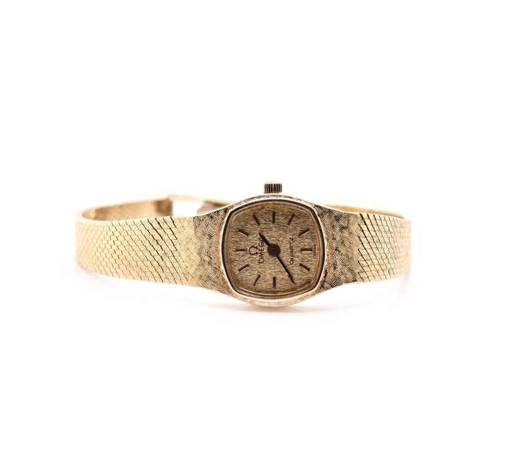 14 Karat Yellow Gold Vintage Omega Quartz Watch In Excellent Condition For Sale In Scottsdale, AZ