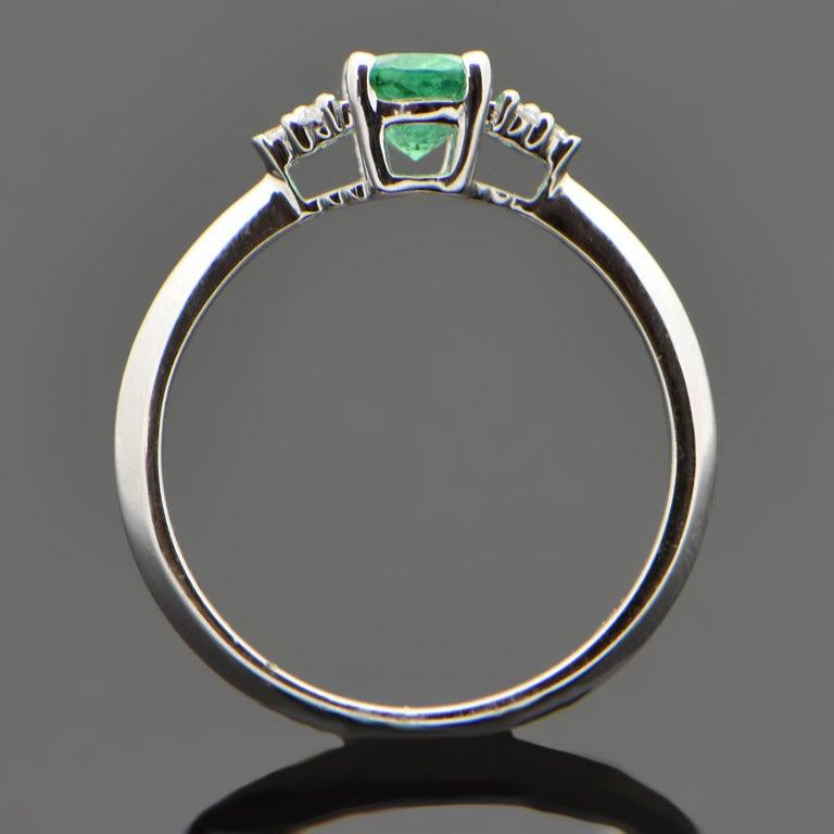 Women's 14 Karat White Gold Emerald and Diamond Ring For Sale
