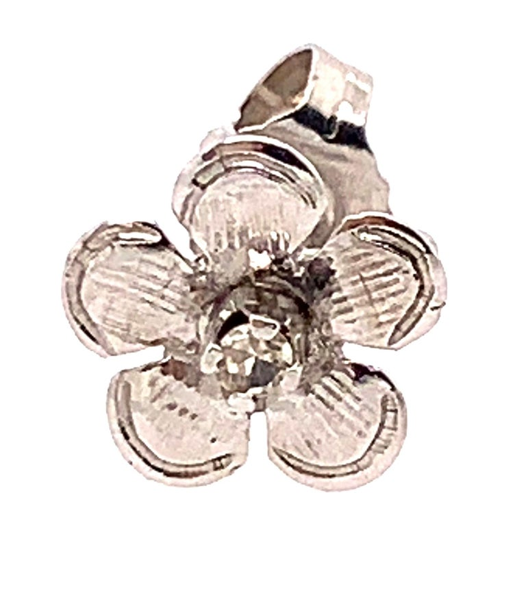 Round Cut 14 Karat White Gold Flower Stud Earrings with Round Diamond For Sale