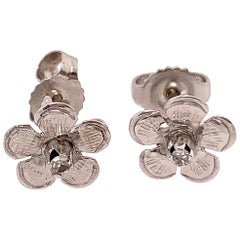 14 Karat White Gold Flower Stud Earrings with Round Diamond