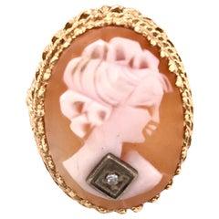 14 Karat Yellow Gold Cameo Ring with Round Diamond