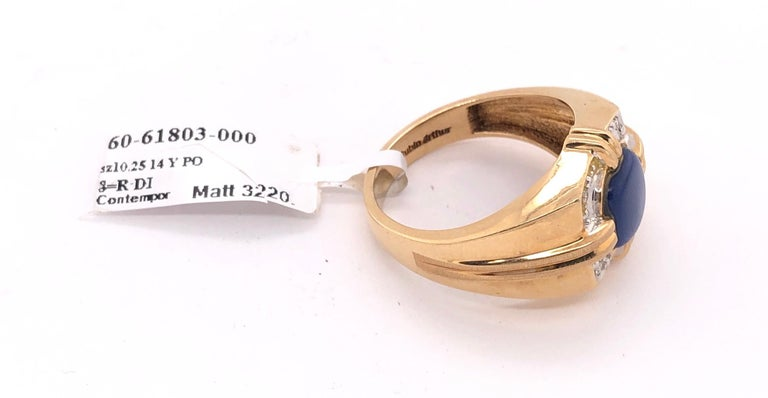 14 Karat Yellow Gold Contemporary Ring with Diamonds For Sale 5