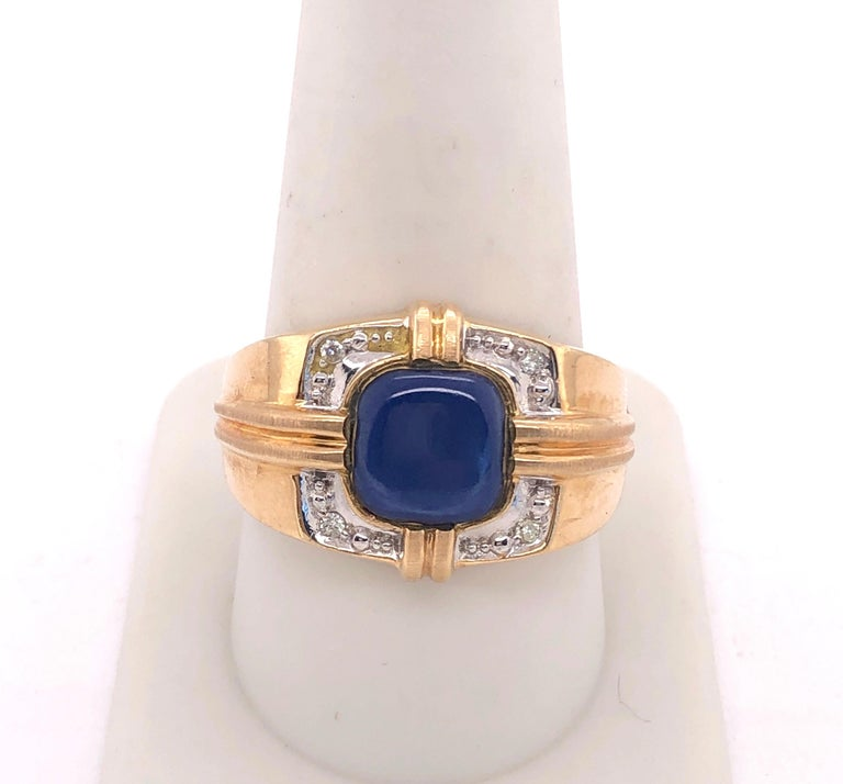 Round Cut 14 Karat Yellow Gold Contemporary Ring with Diamonds For Sale