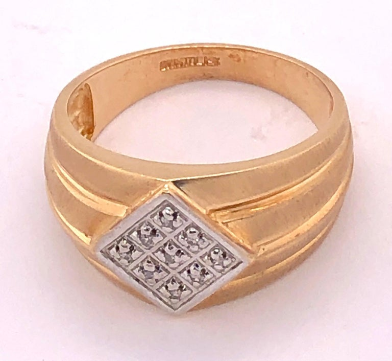 14 Karat Yellow Gold Contemporary Ring with Diamonds For Sale 1