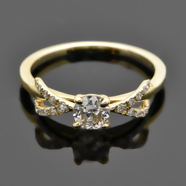 14 Karat Yellow Gold Diamond Ring In New Condition For Sale In Los Angeles, CA