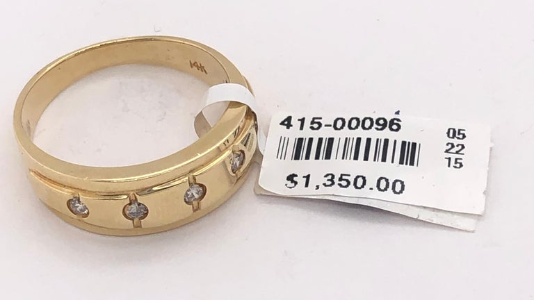 14 Karat Yellow Gold Ring Wedding Band with Five Diamonds .35 Carat For Sale 7