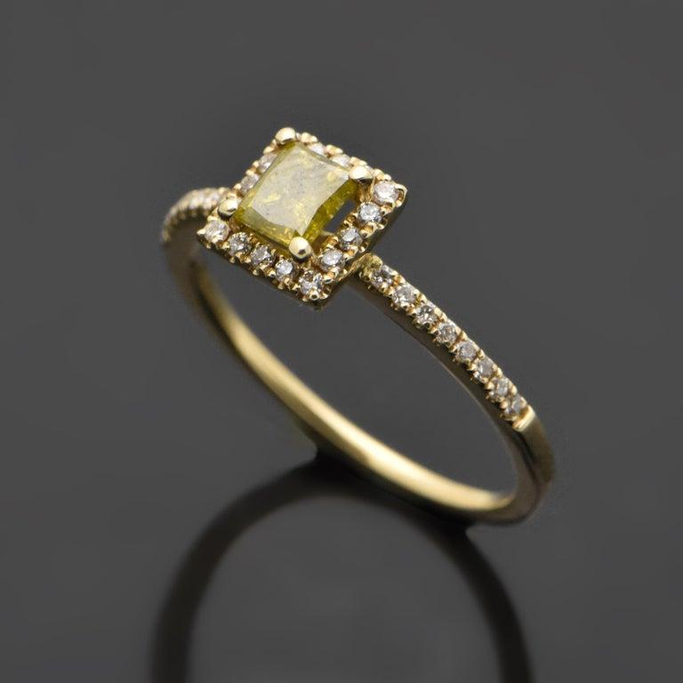 Princess Cut 14 Karat Yellow Gold with Yellow Diamond Ring For Sale