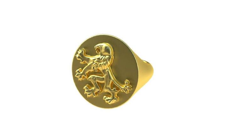 Contemporary 14 Karat Yellow Gold Rampant Lion Signet Ring For Sale
