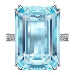 15 Carat Aquamarine Diamond 14 Karat White Gold Ring
