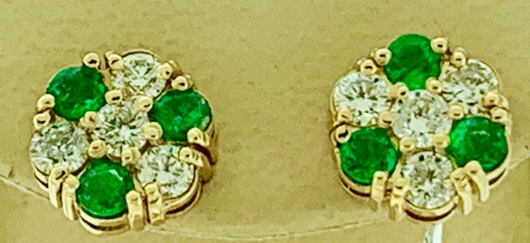 1.5 Carat Emerald and 2 Carat Diamonds Flower Post Earrings 14 Karat Yellow Gold For Sale 2