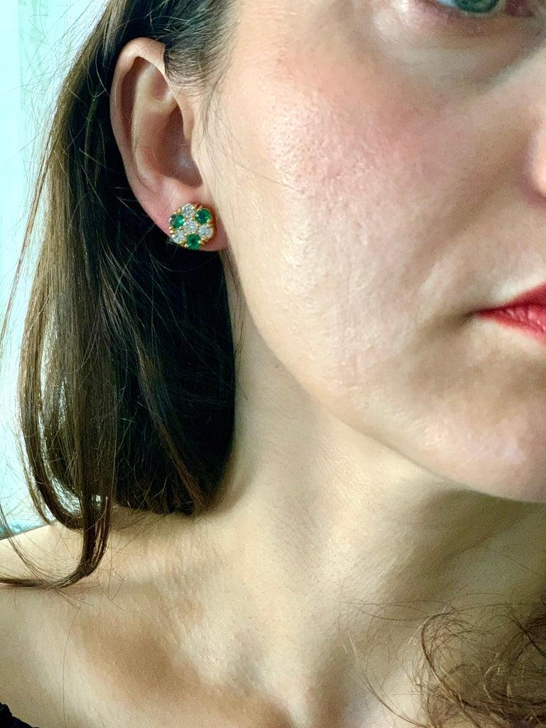 Round Cut 1.5 Carat Emerald and 2 Carat Diamonds Flower Post Earrings 14 Karat Yellow Gold For Sale
