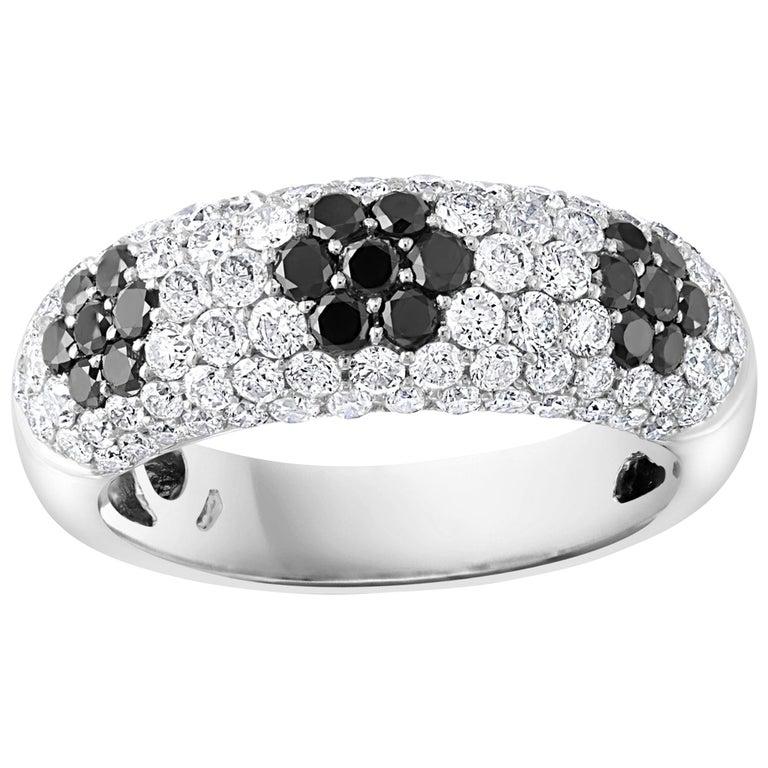 1.5 Carat White Diamond and 0.6 Carat Black Diamond Cocktail Ring 14 Karat Gold For Sale