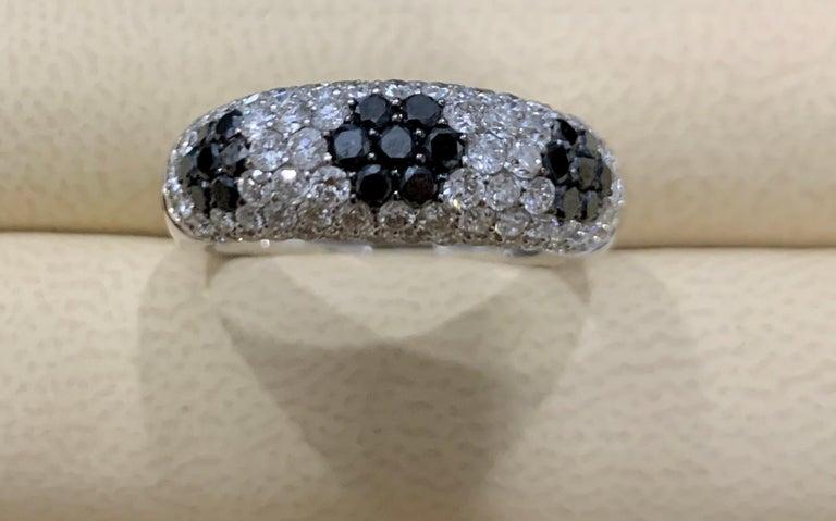 Women's 1.5 Carat White Diamond and 0.6 Carat Black Diamond Cocktail Ring 14 Karat Gold For Sale