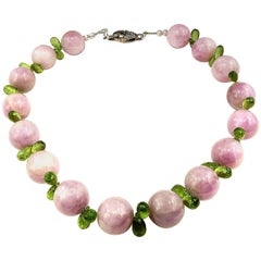 Choker Necklace of Glowing Pink Kunzite and Sparkling Peridot