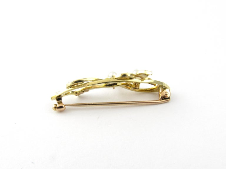 15 Karat Yellow Gold and Seed Pearl Brooch In Good Condition For Sale In Greenwich, CT
