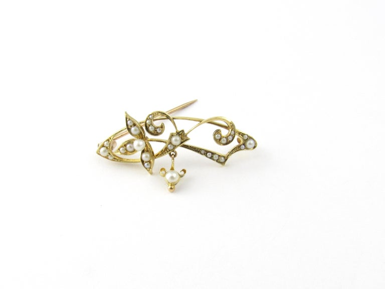 15 Karat Yellow Gold and Seed Pearl Brooch For Sale 1