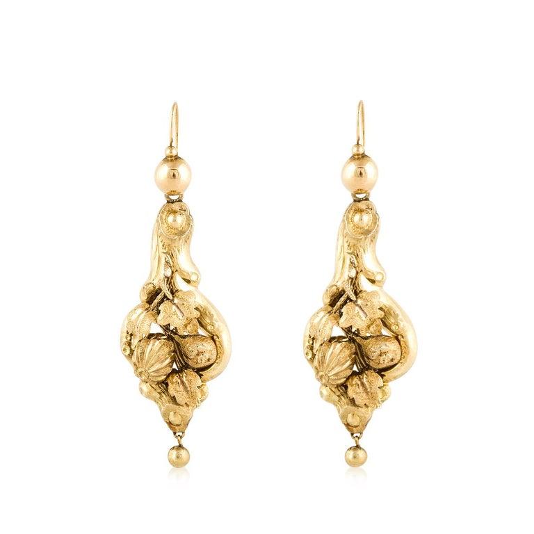 Women's or Men's 15 Karat Yellow Gold Victorian Earrings For Sale
