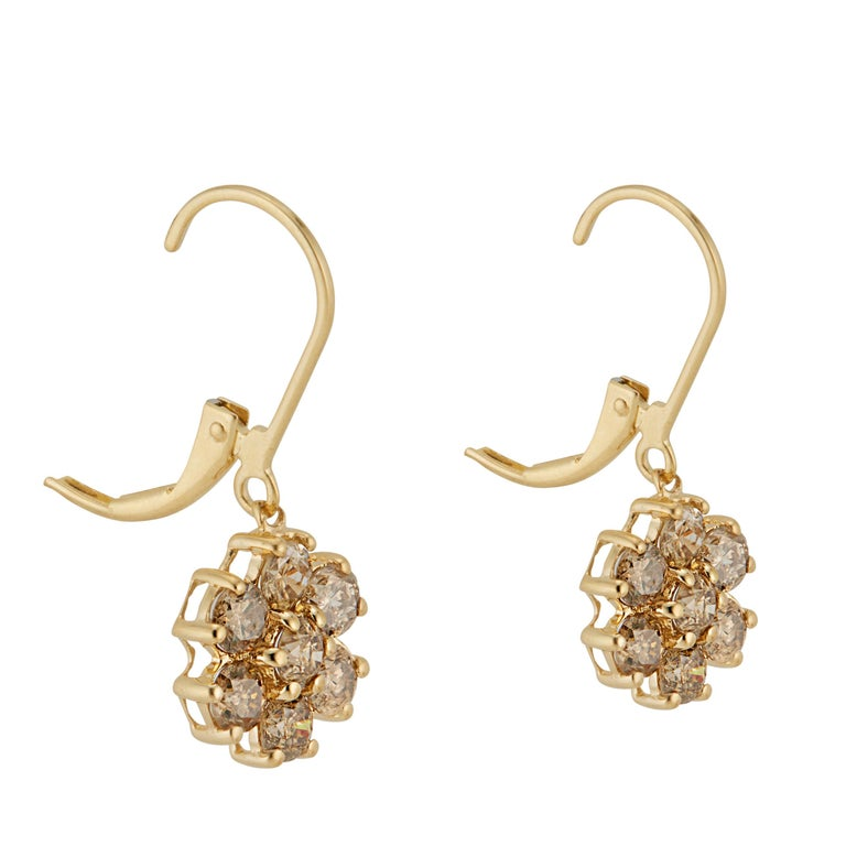 1.50 Carat Champagne Diamond Gold Flower Dangle Earrings In Excellent Condition For Sale In Stamford, CT