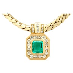 1.50 Carat Colombian Emerald 1.38 Carat Diamond Yellow Gold Necklace