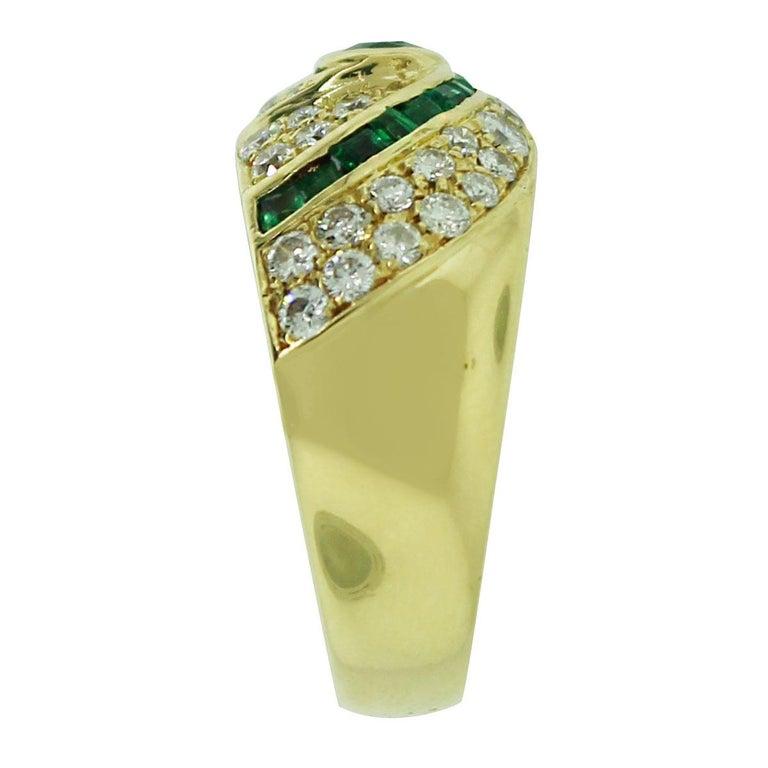 Round Cut 1.50 Carat Diamond Emerald Ring For Sale