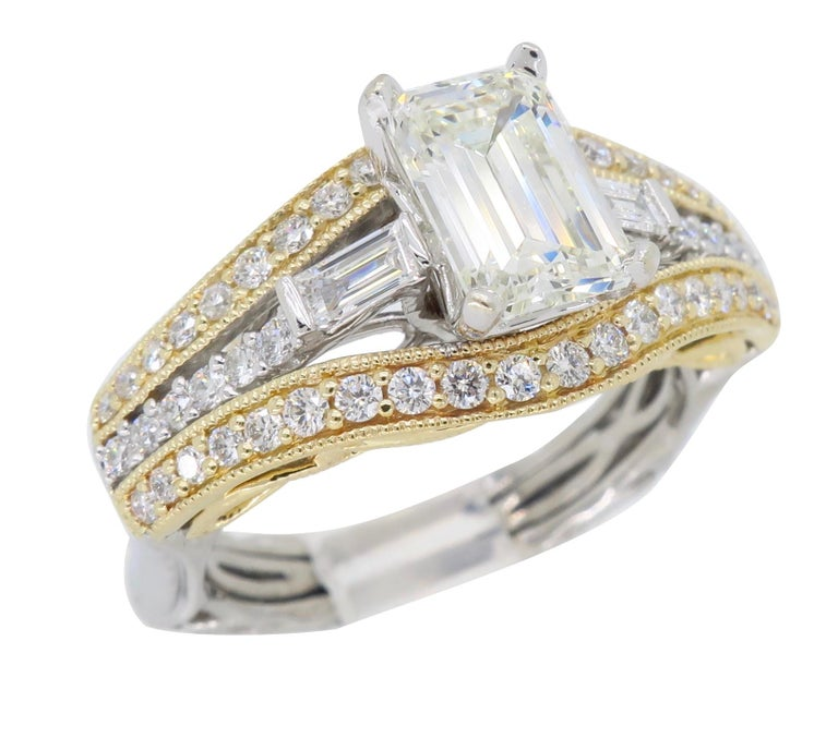 Women's or Men's 1.50 Carat Emerald Cut Diamond Ring For Sale