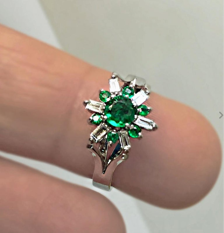 1.50 Carat Round Natural Colombian Emerald Diamond Cocktail Ring For Sale 2