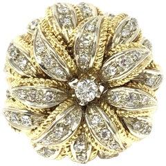 1.50 Carat White Round Brilliant Diamond Flower Ring in 18 Karat Gold