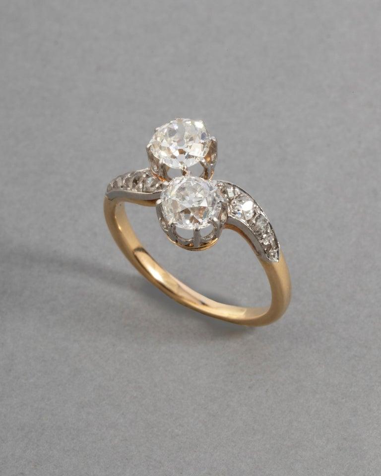 Belle Époque 1.50 Carat Diamonds French Antique Toi et Moi Ring For Sale