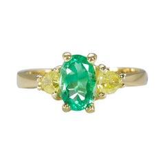 1.50 Ct Colombian Emerald Fancy Yellow Oval Trillion 3 Stone Diamond Gold