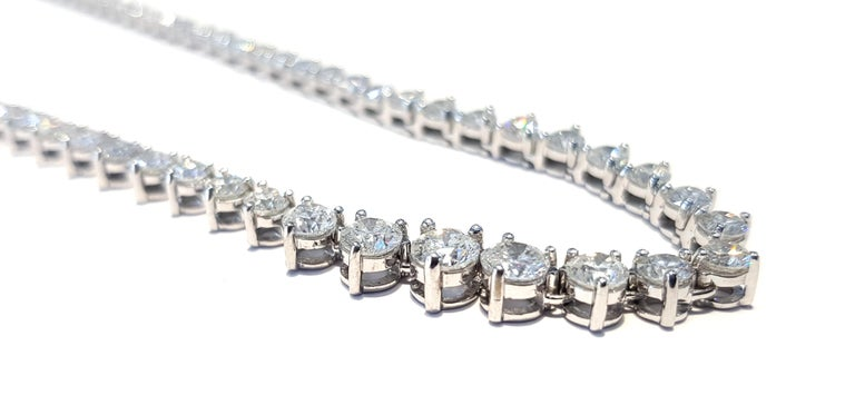 Contemporary 15.00 Carat Diamond Riviera Three Claws 18 Karat White Gold Tennis Line Necklace For Sale