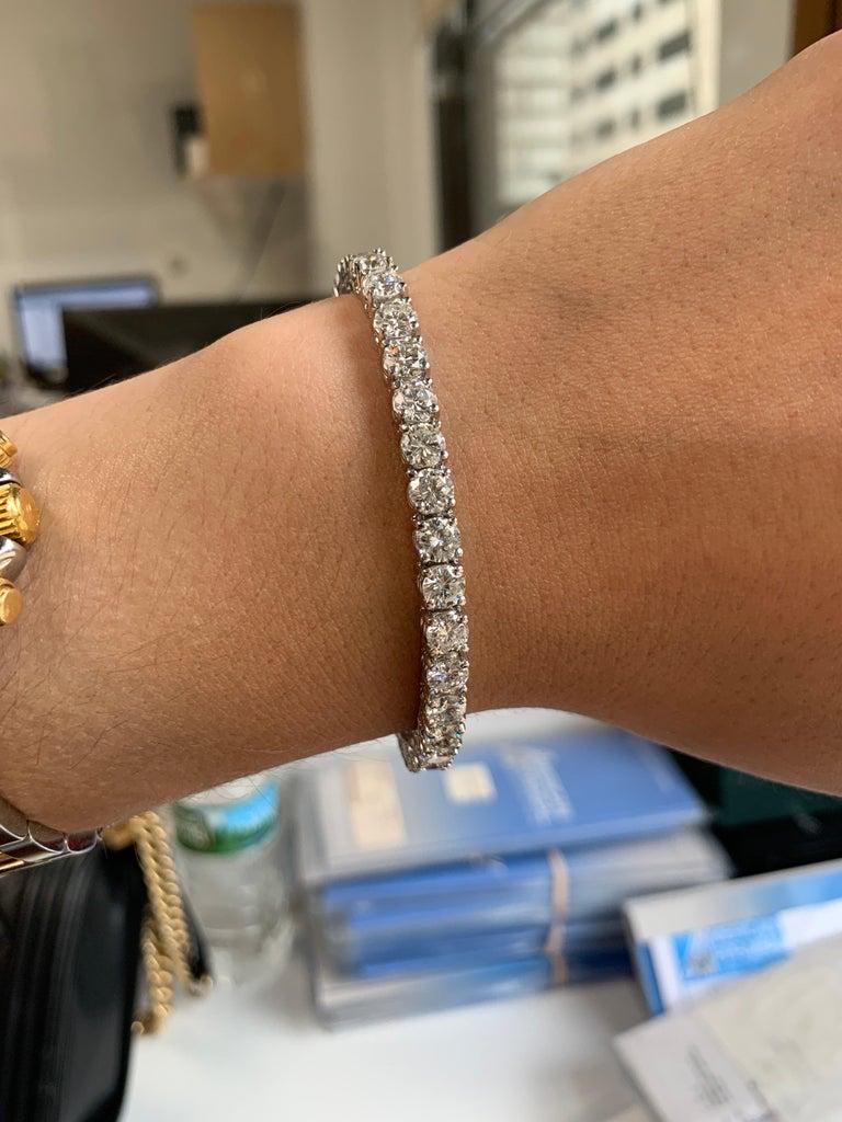Round Cut 15.00 Carat Diamond Tennis Bracelet