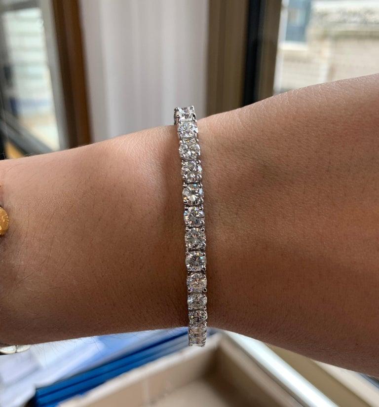 15.00 Carat Diamond Tennis Bracelet In New Condition In New York, NY