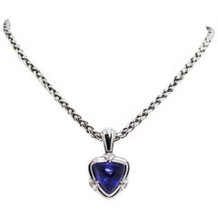 15.05 Carat Trillion Cabouchon Tanzanite and Diamond 18 Carat Gold Necklace