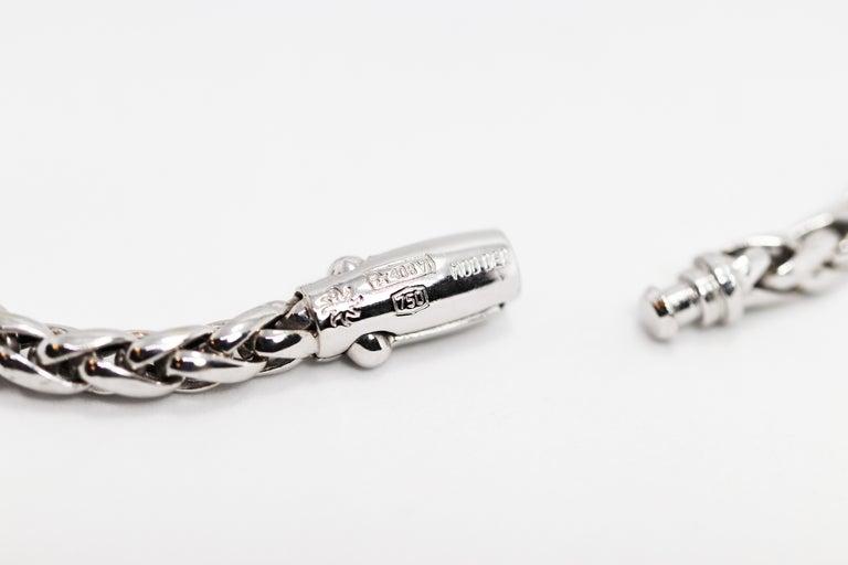 15.05 Carat Trillion Cabouchon Tanzanite and Diamond 18 Carat Gold Necklace For Sale 3