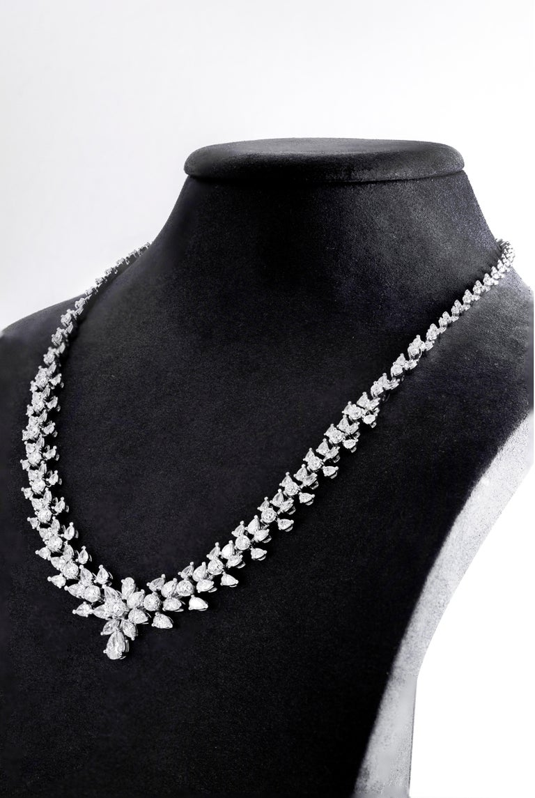 Contemporary 15.08 Carat Diamond White Gold Necklace For Sale