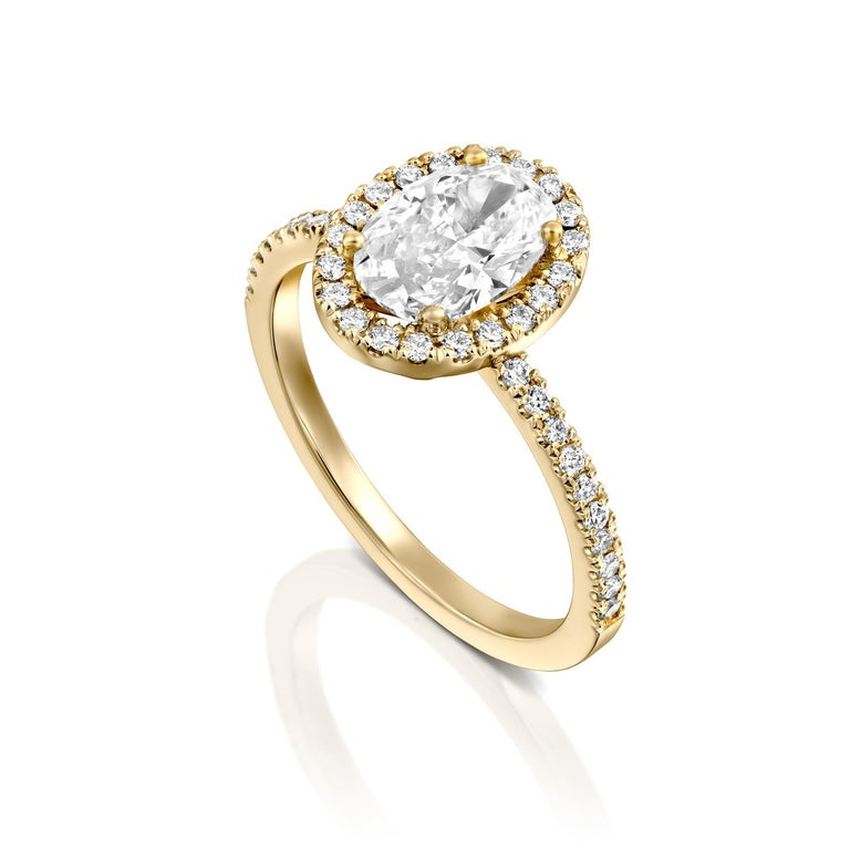 1.50 Carat GIA Oval Halo Diamond Ring, 18 Karat Yellow Gold Oval Cut Ring In New Condition For Sale In New York, NY
