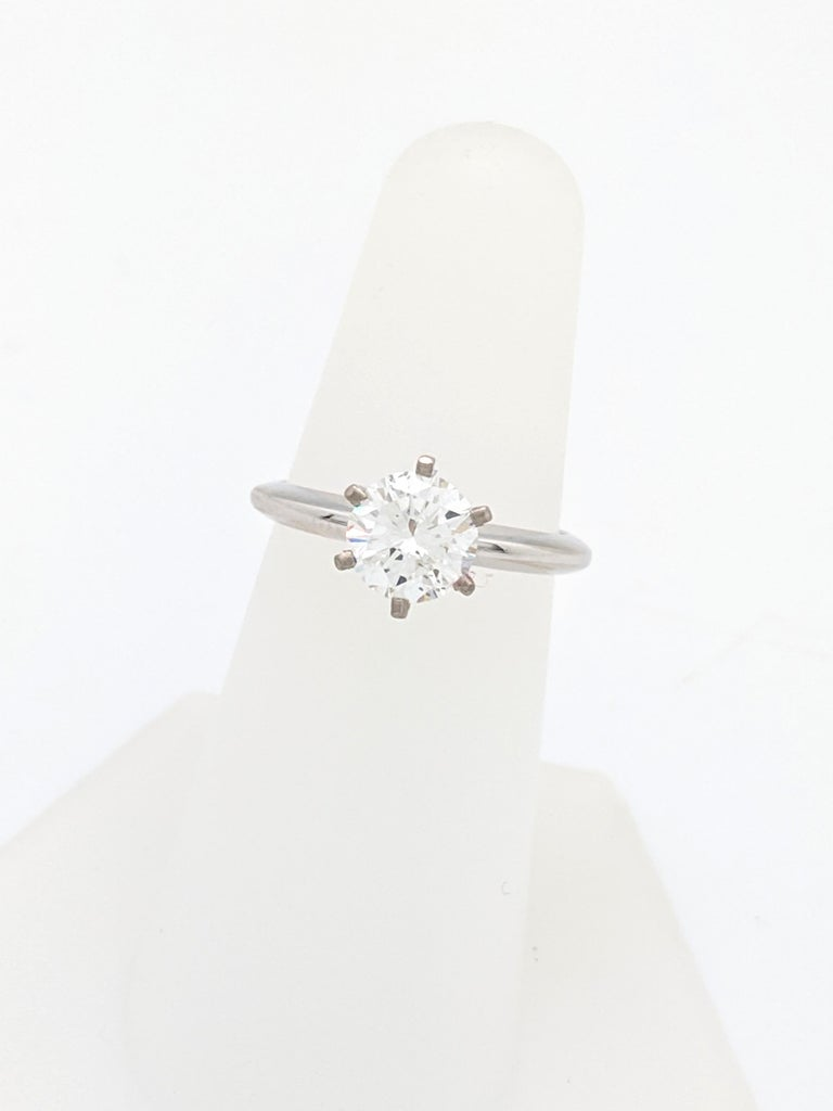 Contemporary 1.50 Carat Round Brilliant Cut Natural Diamond Ring GIA Certified SI2/G For Sale