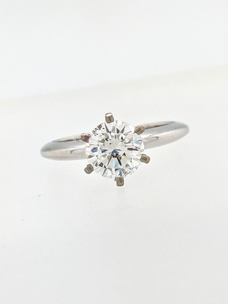 Women's 1.50 Carat Round Brilliant Cut Natural Diamond Ring GIA Certified SI2/G For Sale