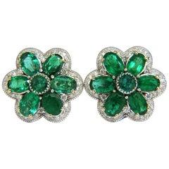 15.10 Carat Natural Vibrant Green Emerald Diamond Cluster Earrings Clip
