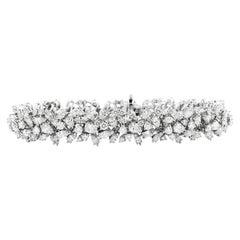 15.16cts Diamond 18K Gold Elegant Cluster Floral Links Bracelet