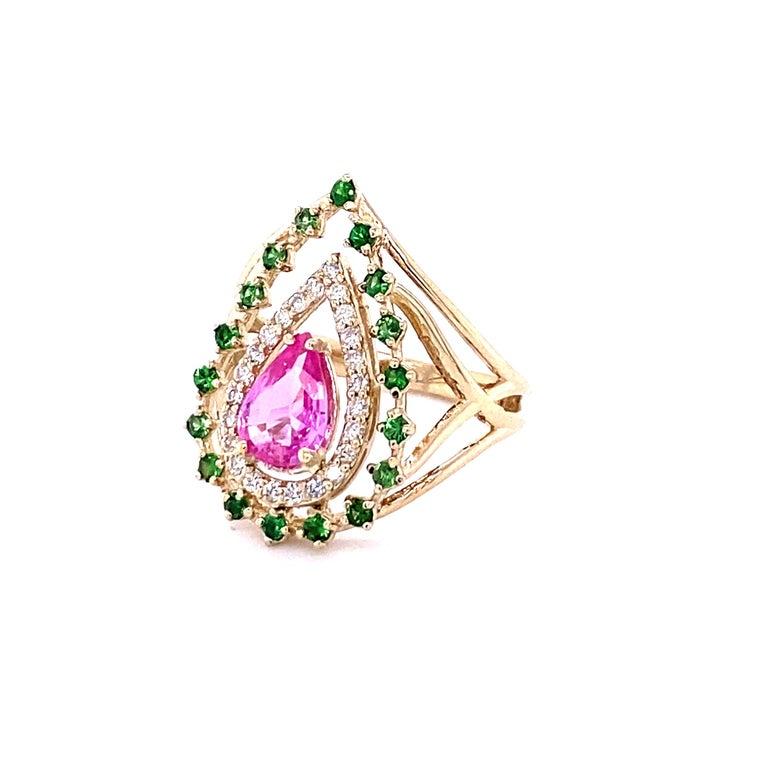 Victorian 1.52 Carat Pink Sapphire Tsavorite Diamond 14 Karat Yellow Gold Cocktail Ring  For Sale