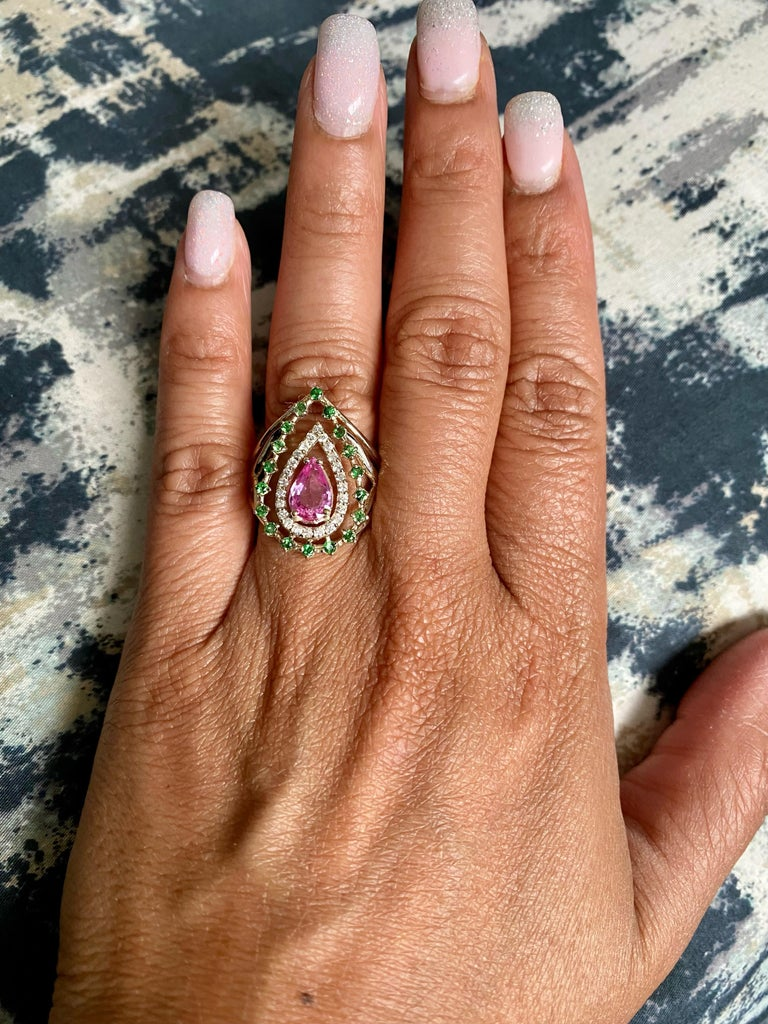 1.52 Carat Pink Sapphire Tsavorite Diamond 14 Karat Yellow Gold Cocktail Ring  In New Condition For Sale In Los Angeles, CA