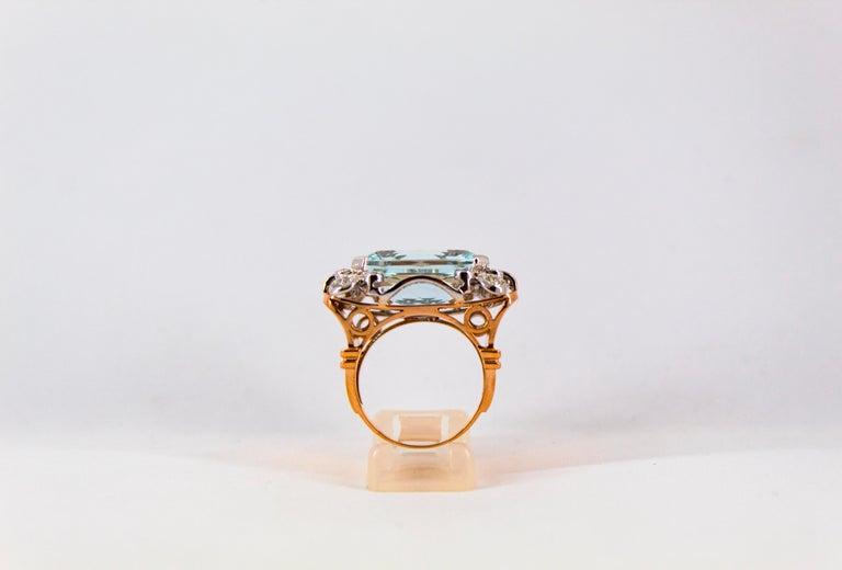 15.20 Carat Aquamarine 0.87 Carat White Diamond Yellow Gold Cocktail Ring For Sale 2
