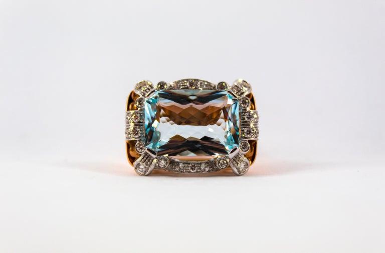15.20 Carat Aquamarine 0.87 Carat White Diamond Yellow Gold Cocktail Ring For Sale 4