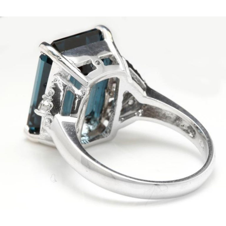 15.20 Carat Natural Impressive London Blue Topaz and Diamond 14K White Gold Ring In New Condition For Sale In Los Angeles, CA