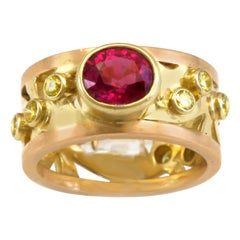 1.53 Intense Color Pink Sapphire on 18k Green Gold and Rose Gold Scrollwork Band