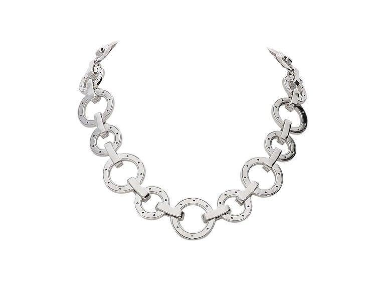 Round Cut 15.40 Carat White GVS Diamonds 18 Karat White Gold Circle Link Necklace For Sale